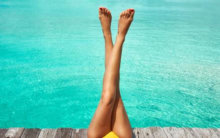 IPL-Haarentfernung an den Beinen bei Dermalisse